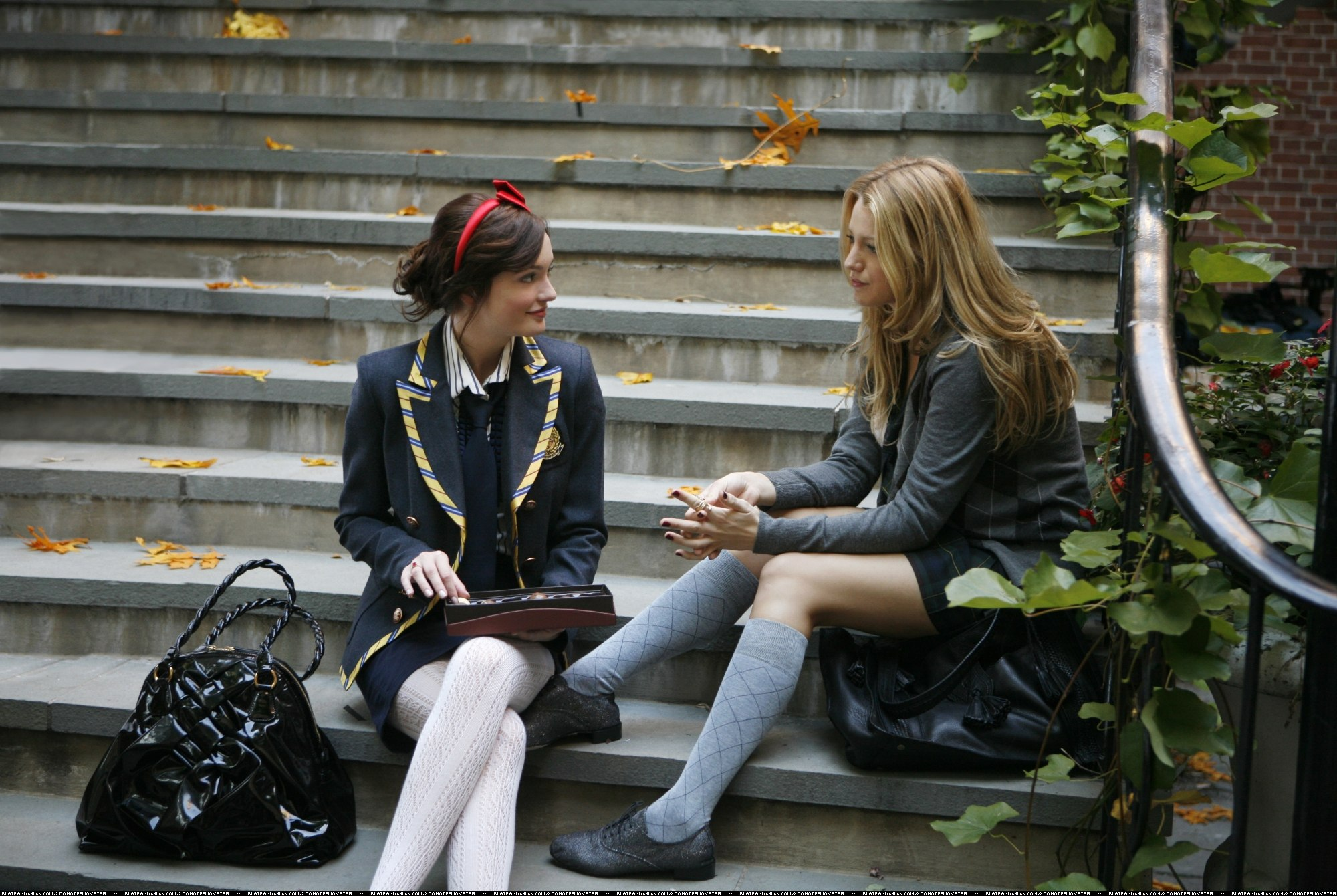 Blair listens to Serena talk about Dan.
